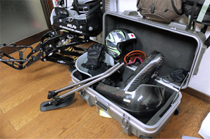 チェアスキー日本代表チーム競技用フレーム収納の様子