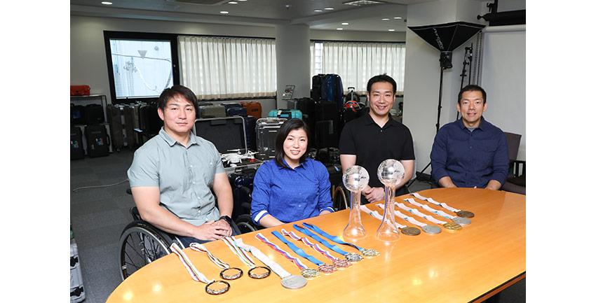 チェアスキー日本代表に専用ケースを提供サポート